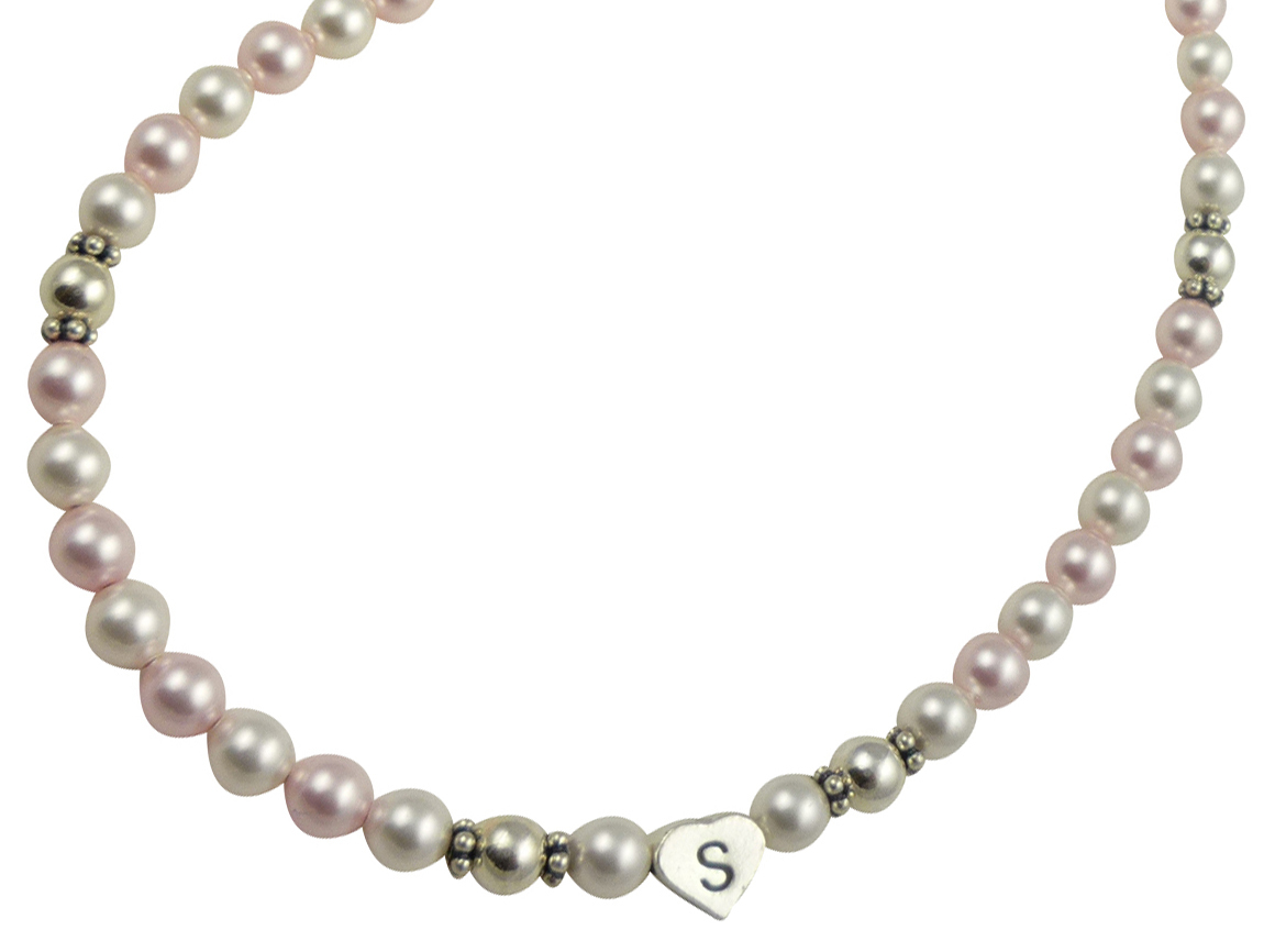 Necklace rosaline white pearl initial close