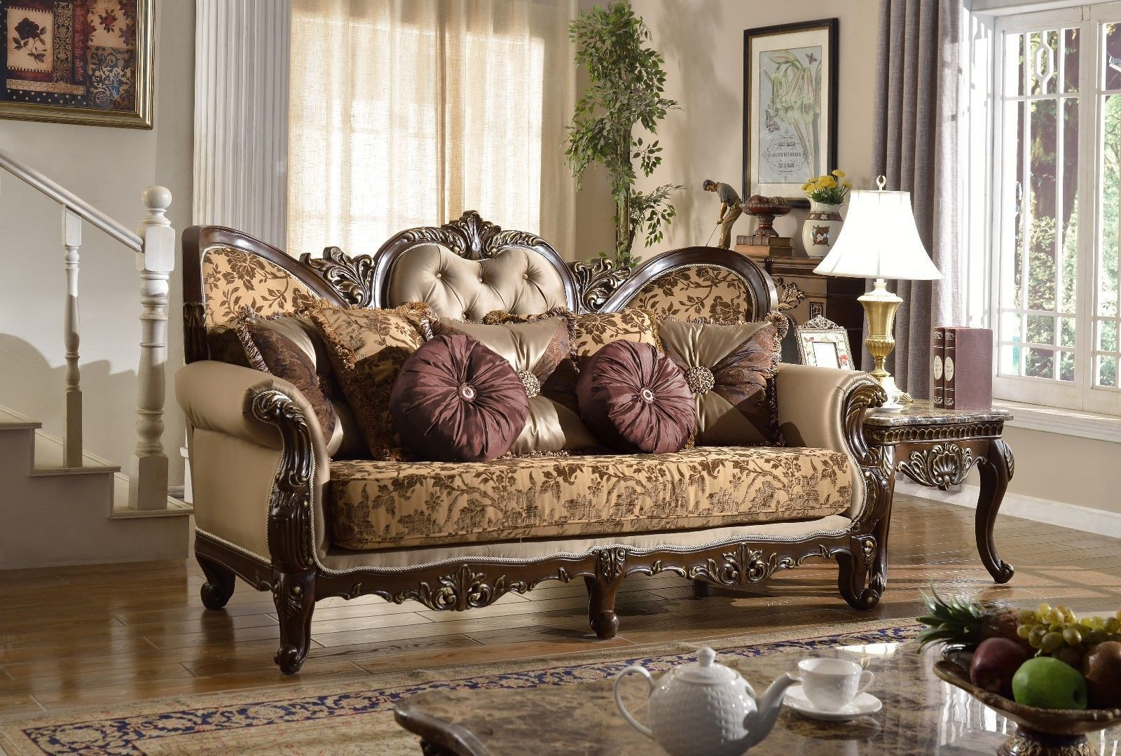 Meridian 610 Catania Living Room 2pcs Set Hand Carved Traditional Style