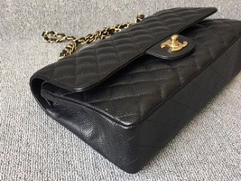 AUTHENTIC CHANEL BLACK QUILTED CAVIAR MEDIUM CLASSIC DOUBLE FLAP BAG Ghw image 4