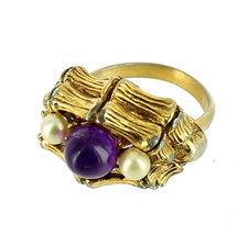 VINTAGE STUNNING BAMBOO FAUX AMETHYST PEARL CAB GOLD TONE DOME COCKTAIL ... - $71.99