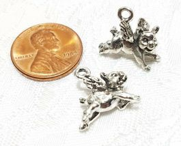 WHEN PIGS FLY FINE PEWTER PENDANT CHARM - 5mm L x 15mm W x 14mm D image 3