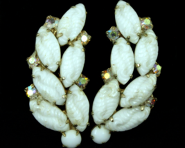 "Vintage Juliana D&E Milk Art Glass Carved Leaf Leaves AB Rhinestones 2""E... - $35.99"