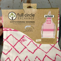 """Full Circle Exchange Empowering Women APRON """"Because I'm the Mom That's ... - $14.69"""