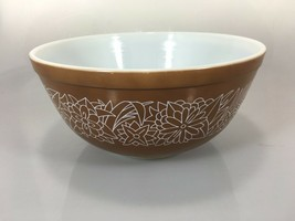 Pyrex Woodland Brown 403 2.5 Qt Mixing Bowl  - $45.08