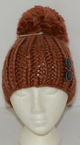 Simply Noelle Fall Winter Hat Large Pom Pom Two Large Buttons
