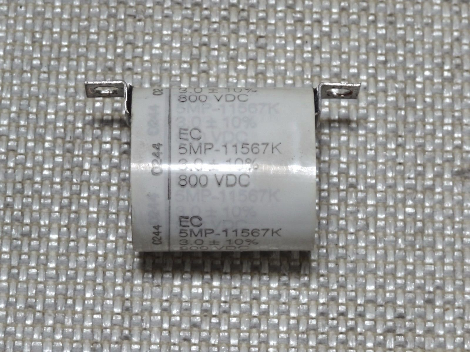 Lot of 2 10V 2200uF Radial KY 10x30mm United Chemi-Con 200-6029
