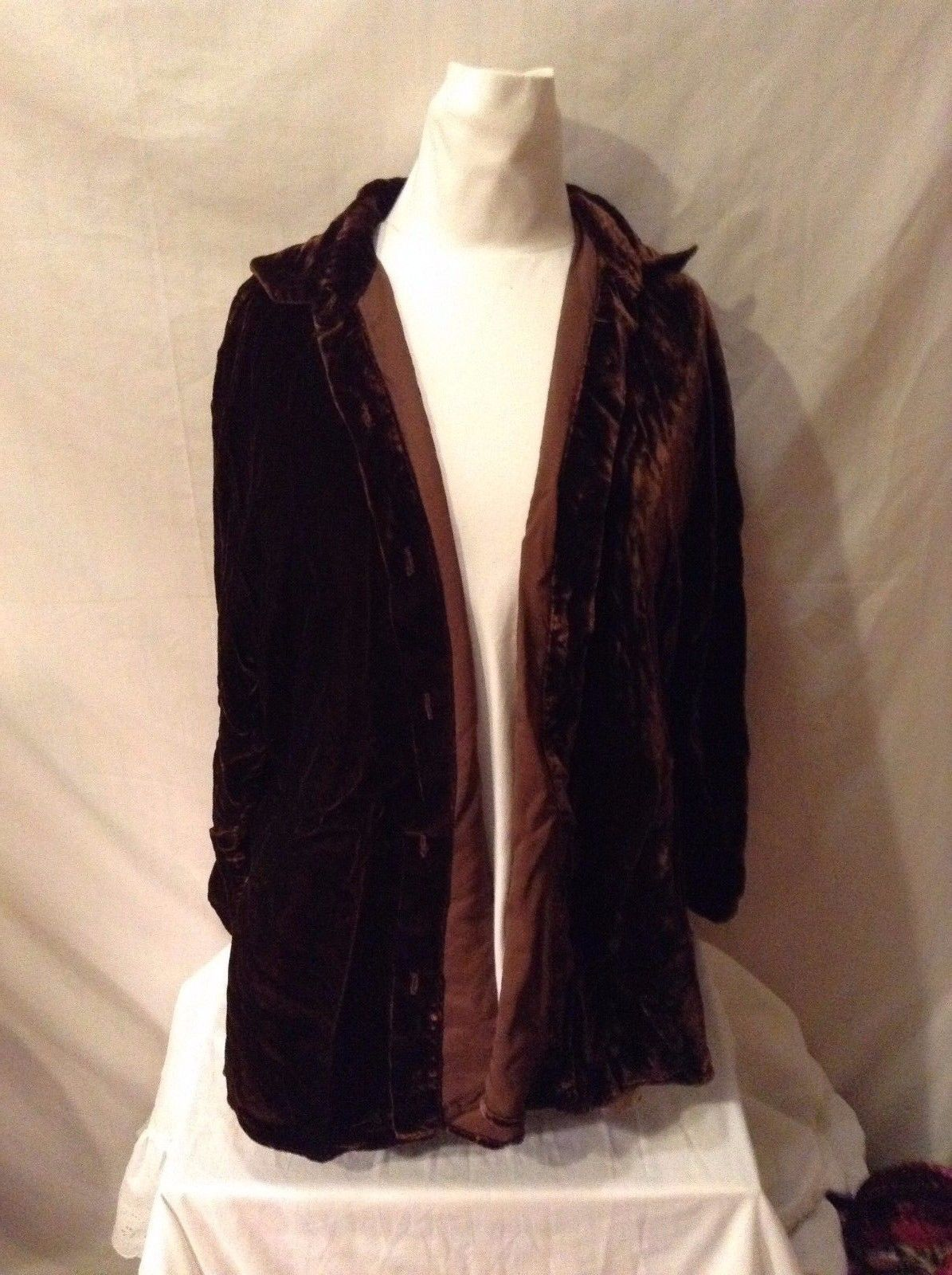 Women's Toots Dierre by MB Snow Velvety Brown Button Up Size Small 100% Rayon
