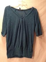 Women's Saint Tropez West Blue Green V-Neck Short Sleeve Top Size Medium