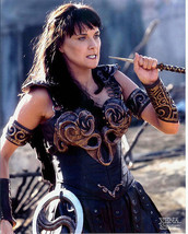 LUCY LAWLESS XENA  8x10 PHOTO #X2361 LICENSED CREATION ENTERTAINMENT - $12.00
