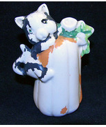 Vintage Halloween Cat Pumpkin Ceramic Salt Shaker - $8.99