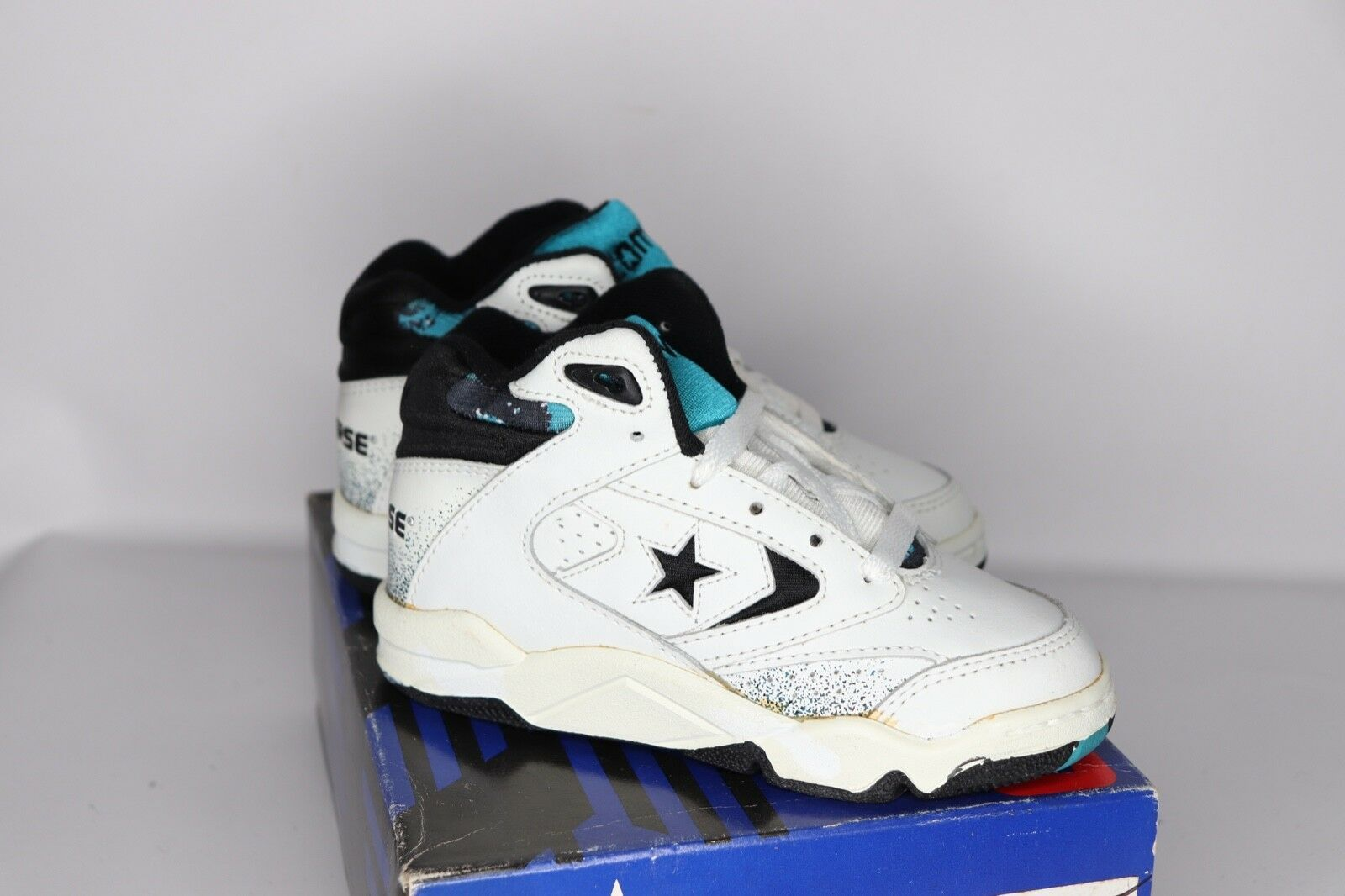 Vtg 90s New Converse Youth 10.5 Power Game Lea Mid Basketball Shoes White Teal