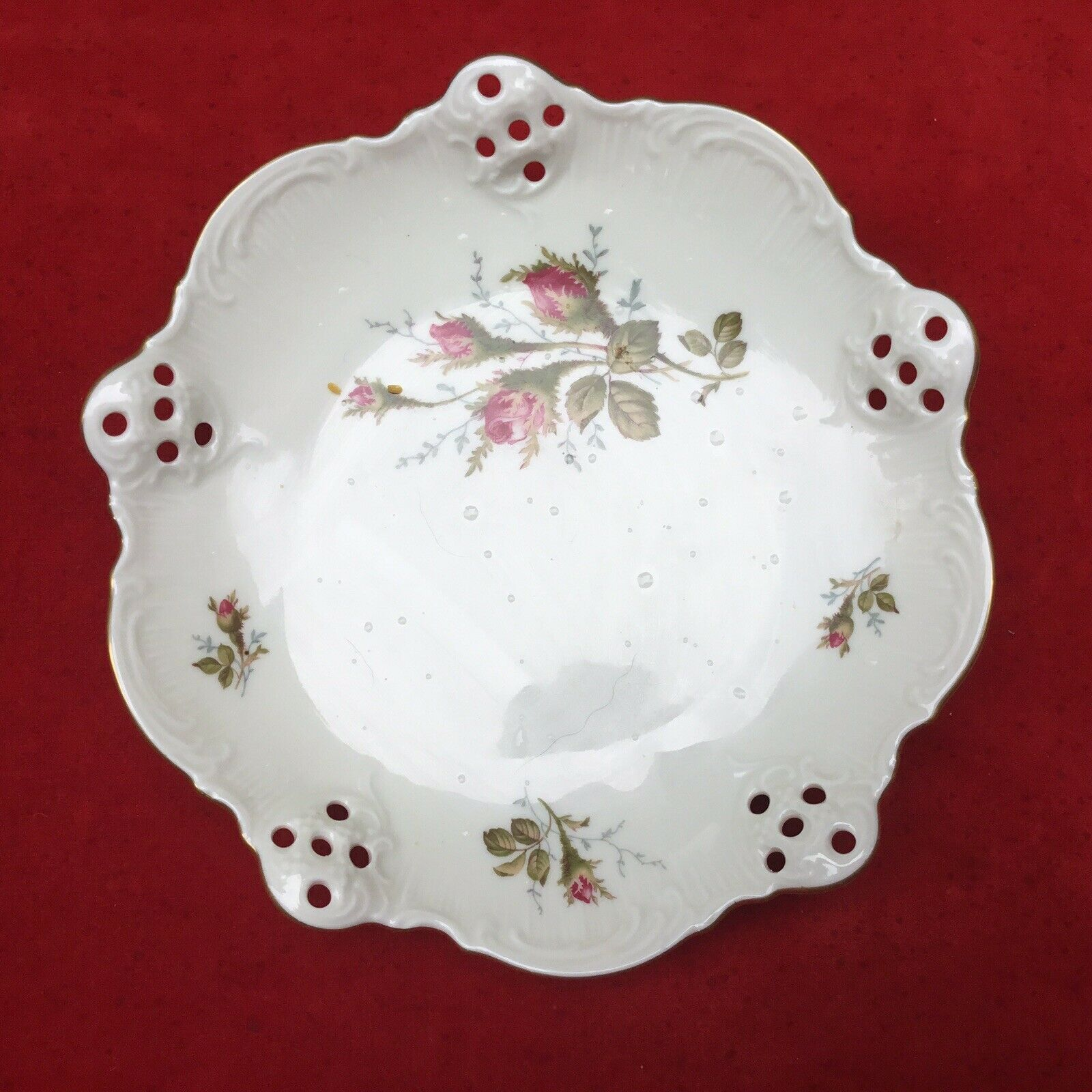"Primary image for VTG ROSENTHAL CHINA MOOSROSE RETICULATED FOOTED CANDY DISH 7,5"" DIAMETER GERMANY"