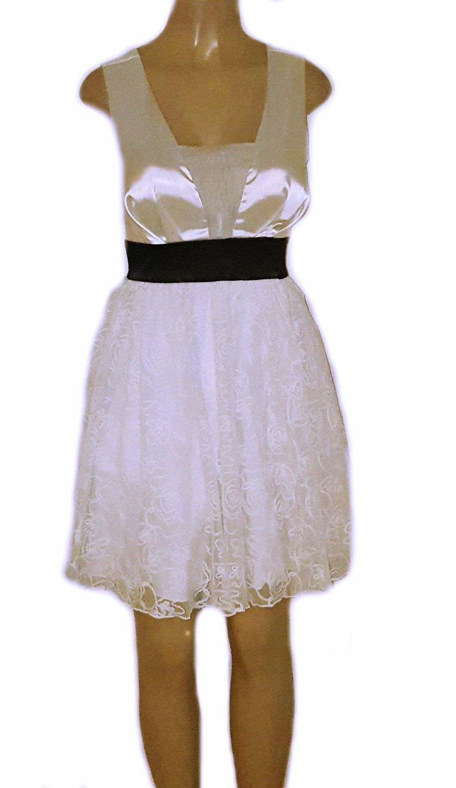 Primary image for Sleeveless Cut-out BackTulle Overlay Lace Skirt Fit & Flare Skater Dress WHITE M