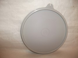 """5 1/4"""" Vintage Tupperware #238 Round Replacement Lid Only GRAY B Seal - $19.99"""