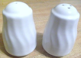 "White Swirl SALT & PEPPER Shaker SET EUC 3 1/4"" Tall - €22,02 EUR"