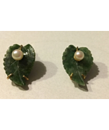 VINTAGE ESTATE 1/20 12K GOLD CARVED NATURAL GREEN JADE AND PEARL CLIP EARRINGS - $40.00