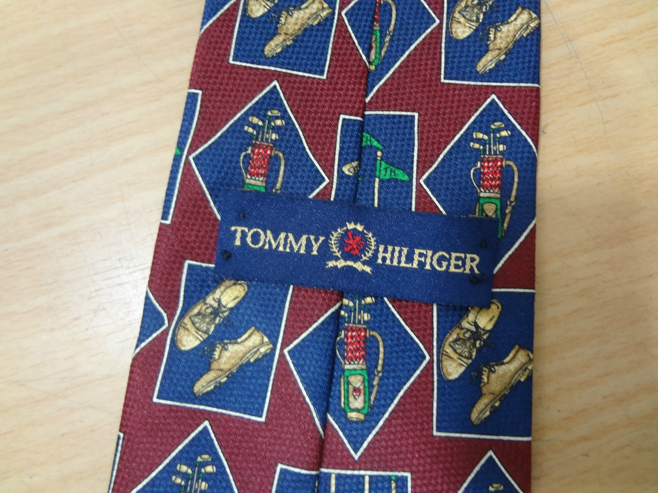 Tommy Hilfiger Burgundy Blue Golf Clubs Flag Pin Shoes Silk Necktie Father's Day