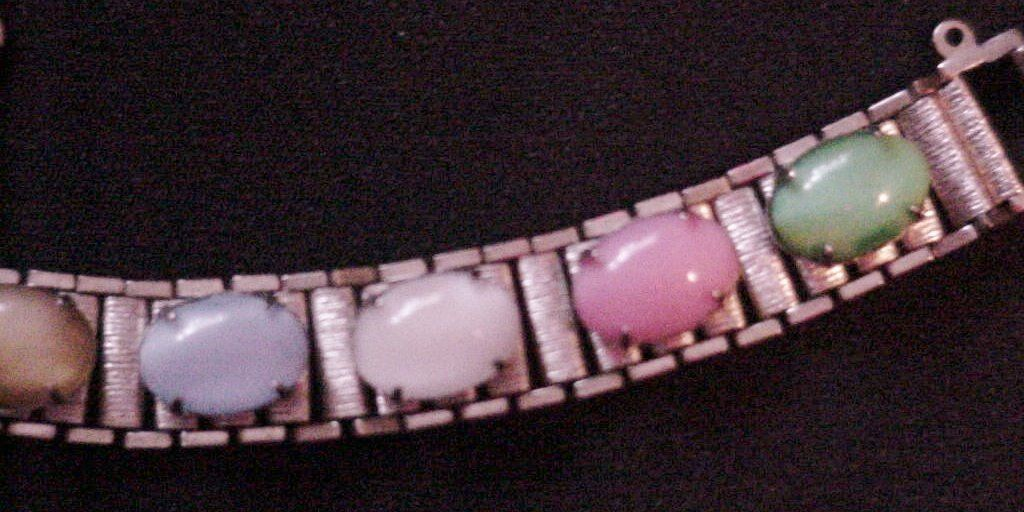 Sarah Coventry Pastel Cabuchon Vintage Bracelet Safety Chain