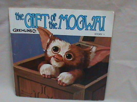Gremlins The Gift of the Mogwai Book with Vinyl Record 33 1/3 RPM A100 - $8.90