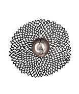 Chilewich Pressed Round Dahlia Tablemats (SET OF 8), color = Black - $1.523,37 MXN