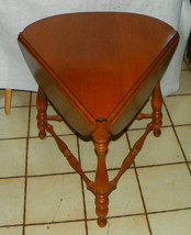 Maple Ethan Allen Cloverleaf Triangle Dropleaf Side Table / End Table - $399.00