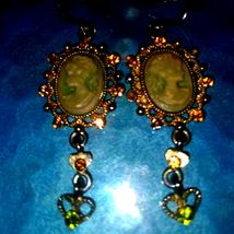 Simply Gorgeous Cameo Rhinestone Vintage Earrings - $25.74