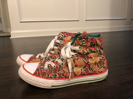 Gingerbread Holiday Red And Green Youth Converse Shoes Size 2 - $17.99