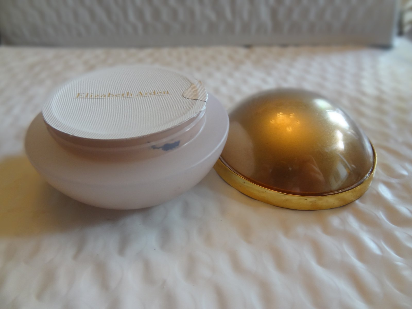 Primary image for Elizabeth Arden Flawless Finish Hydro Light Foundation Spf 10, Shell 39