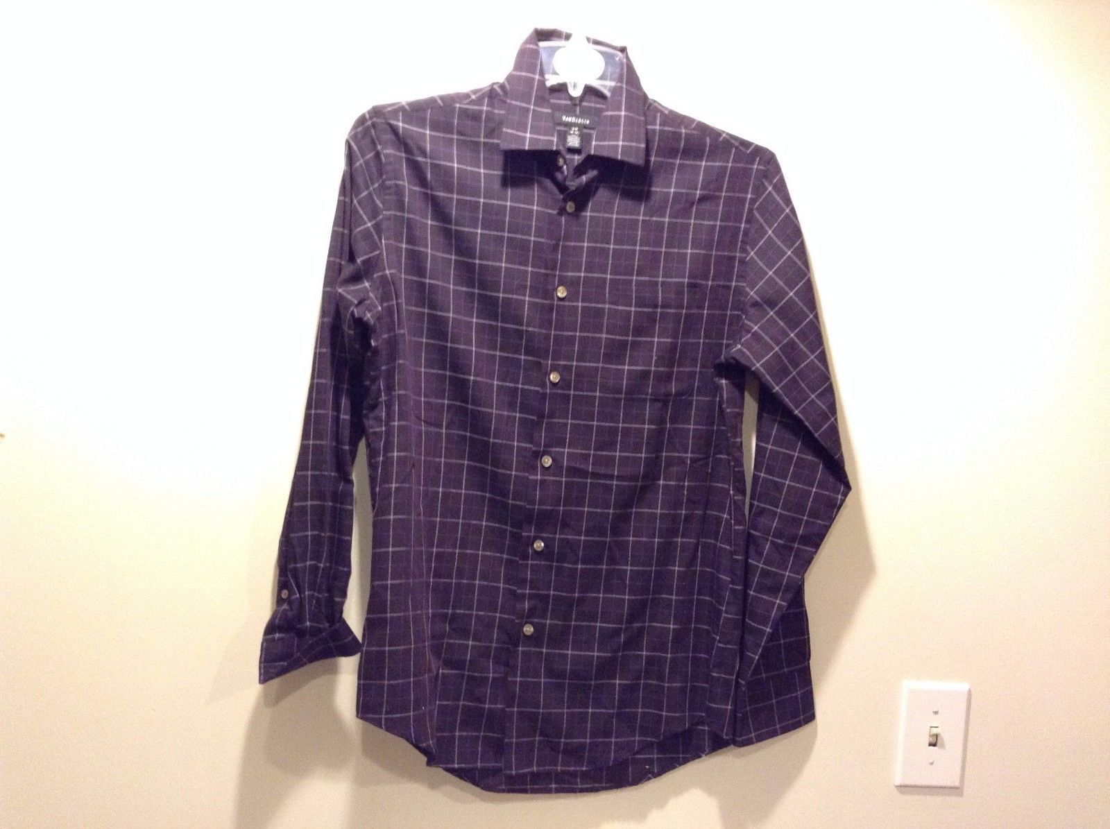 Men's Used Great Condition Van Heusen Size Small 14 14.5 Purple Checked