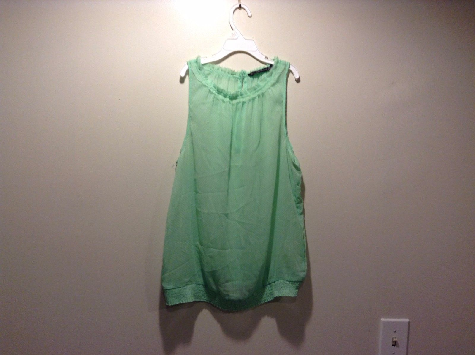 Women's Used Condition Lime Green Tank Sleeveless Shirt Zara Trafaluc Size Large