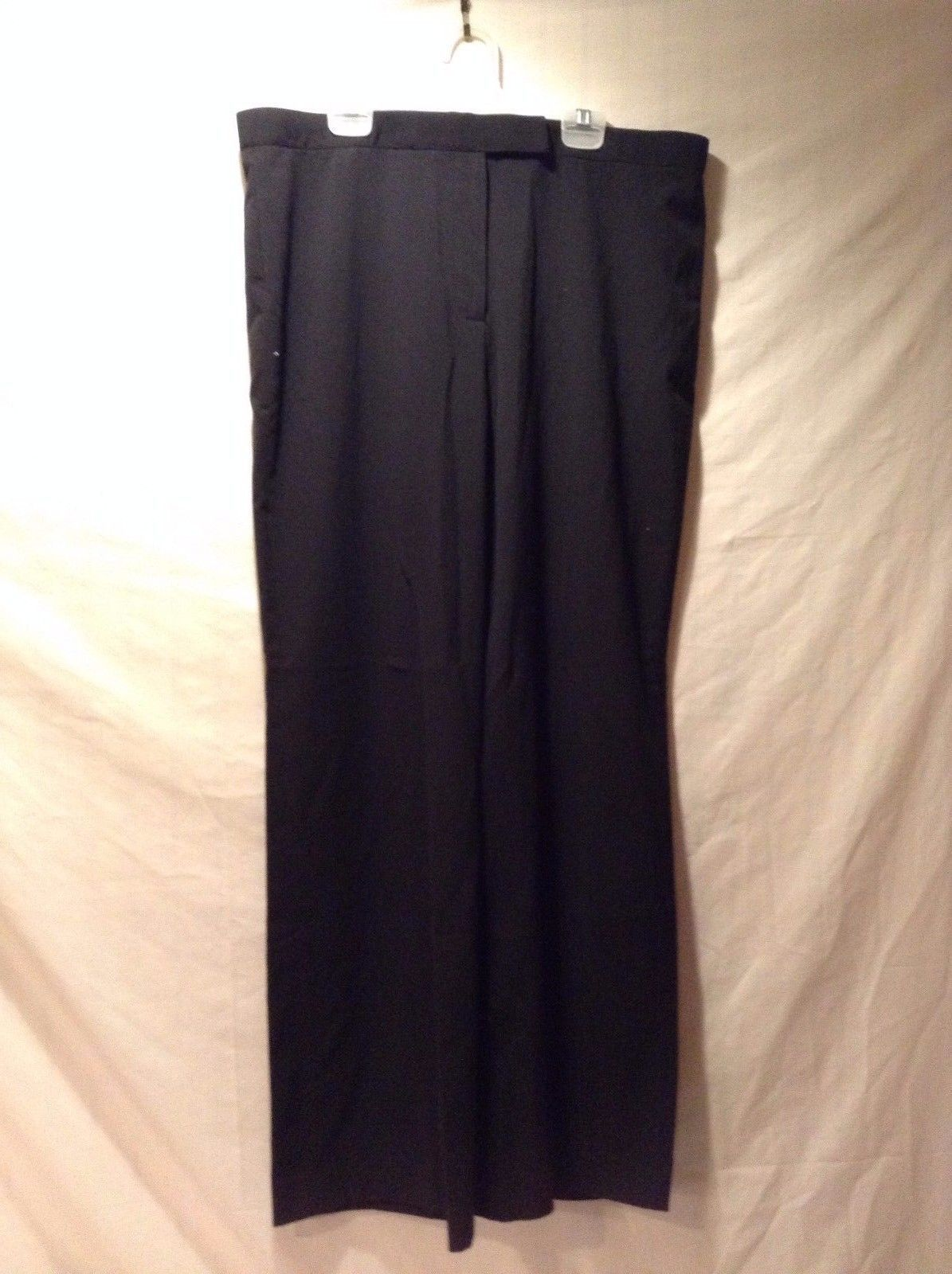 Women's Black Larry Levine Poly Blend Slacks Size 12 Great Used Condition