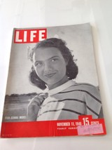 1946 NOV 11  LIFE MAGAZINE  MOSLEMS STONE NERU, ROAD  BACK BERLIN , MODELIN - $13.98