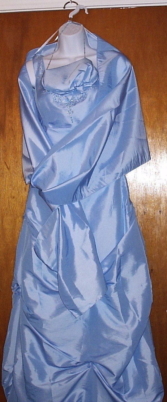 MARY'S MODERN MAIDS BLUE W/PURSE & WRAP SIZE  8 EVENING GOWN    NEW