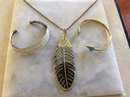New Gold Toned Gray Feather Arrow Bracelet Necklace Set 3 Three Pieces
