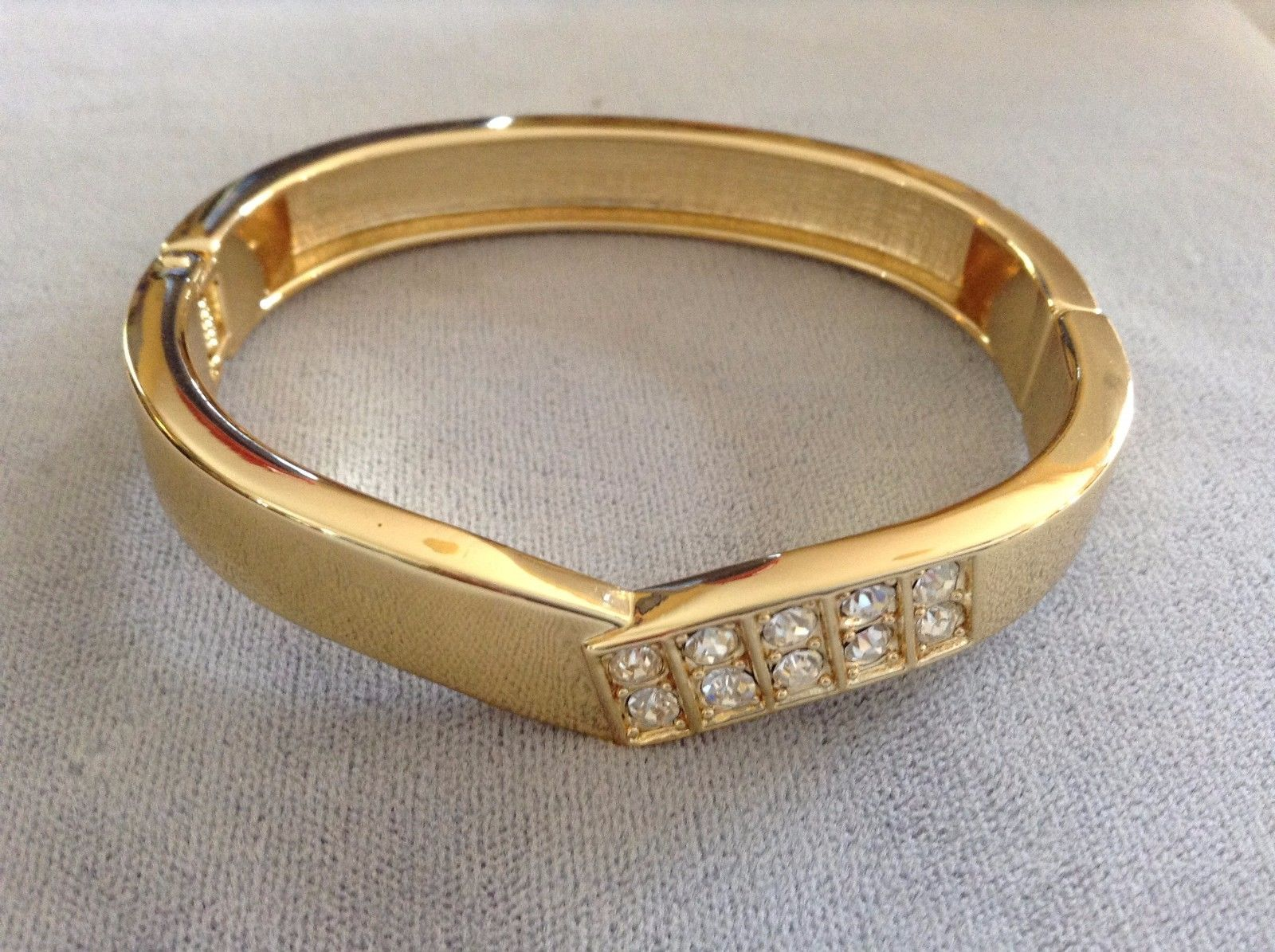 New Gold Toned Snap Bracelet With Point Shape Simulated Diamond Studs