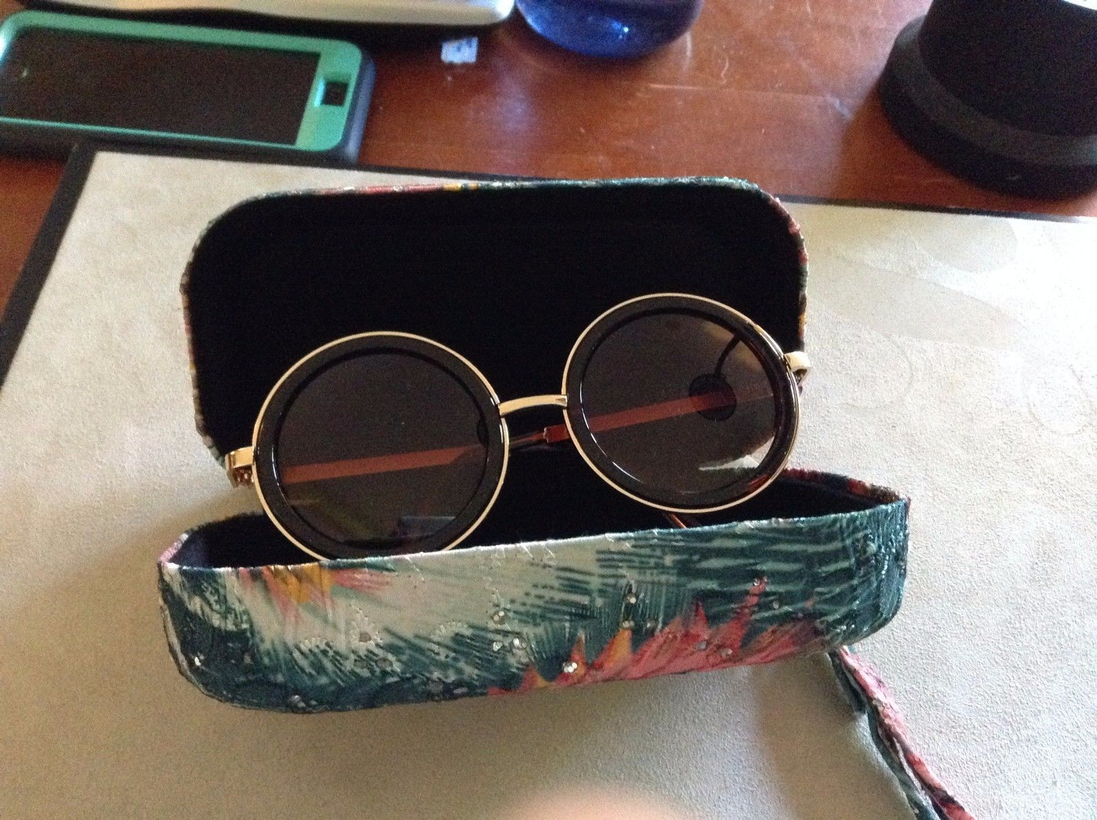 New Mad Green Painted Peacock Glasses Case With Retro 70's Circular Sunglasses
