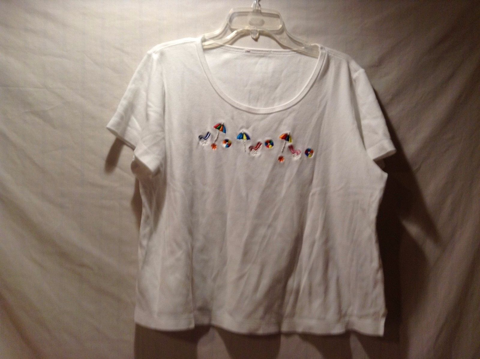 Used Good Condition White Beach Themed T-Shirt