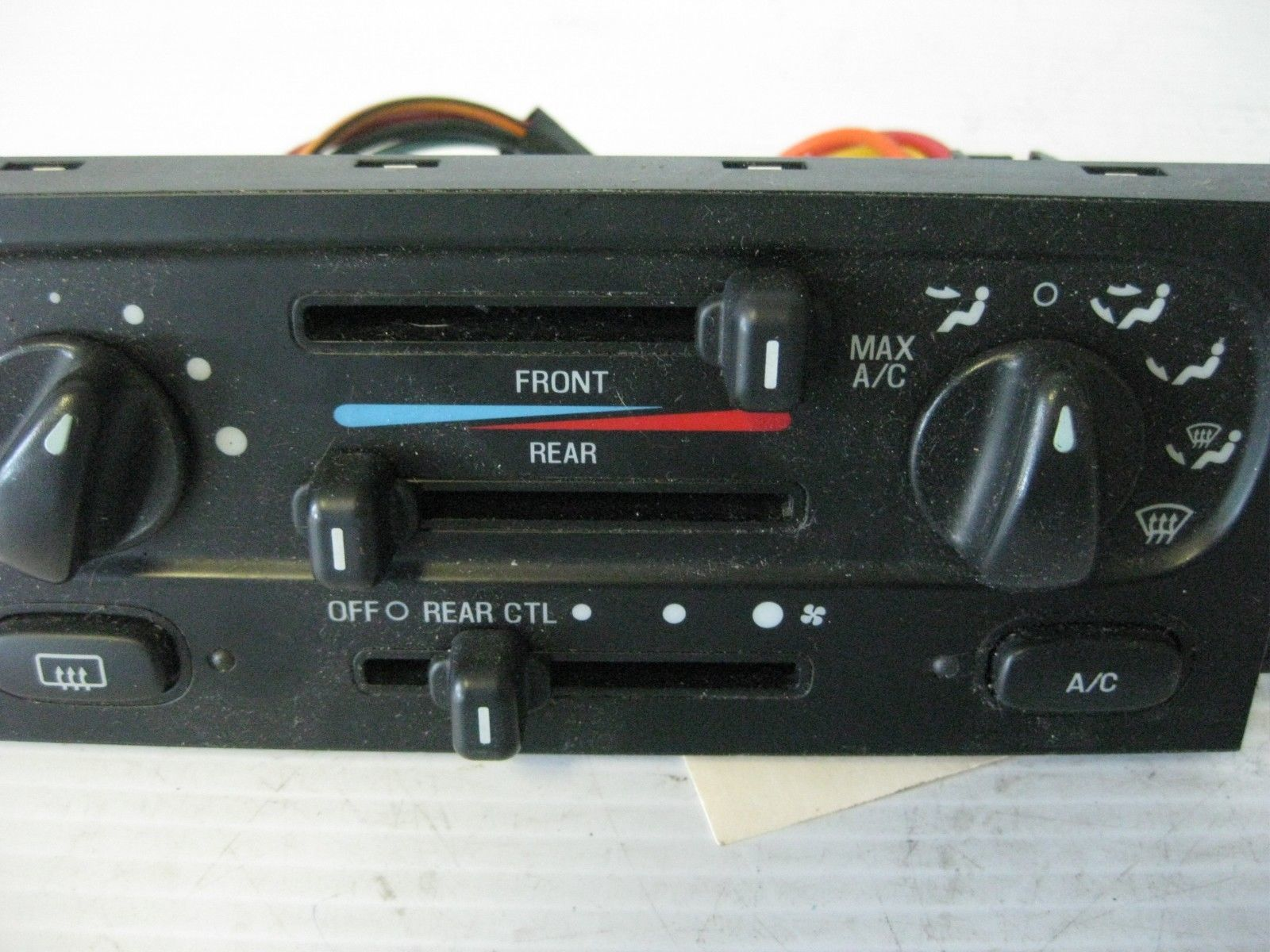 Ford Windstar Lx 2003 Climate Control Panel And 23 Similar Items Switches Oem