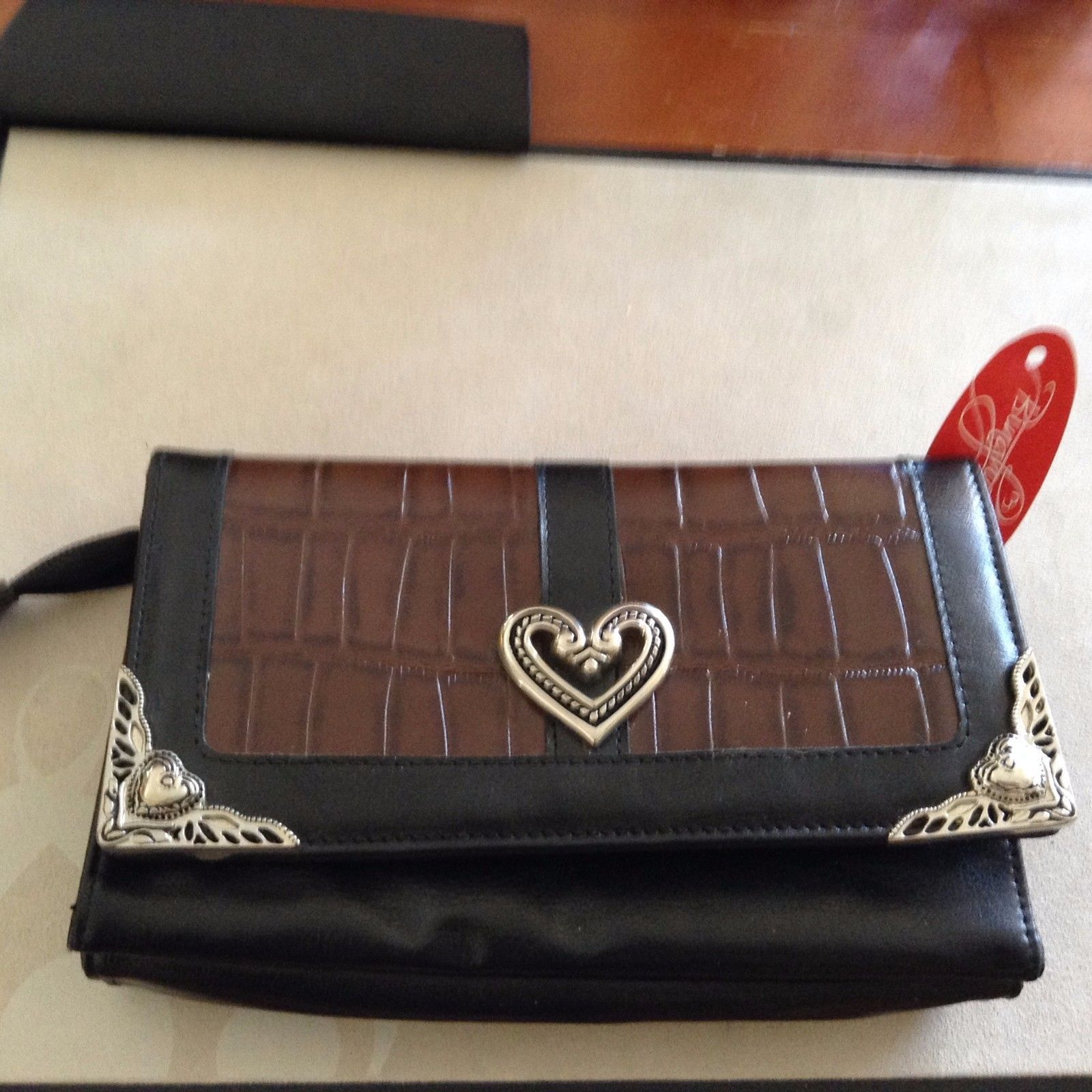 New Bingham by Dynasty Wallet Purse Black Brown Hearts in Silver Tone Zipper