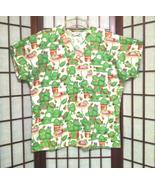 Frog print scrubs top sz m thumbtall