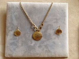 New Allure Gold Toned Necklace Stamped Hearts Design Pendant Earring Set