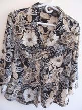 Blue Diamond Black & White Floral Design 3/4 Sleeve Button Ruched Blouse! Sz M! - $5.94