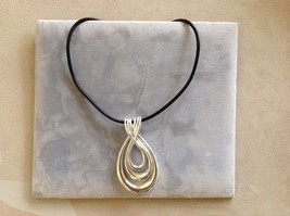 New Allure Silver Toned Loops Pendant Necklace