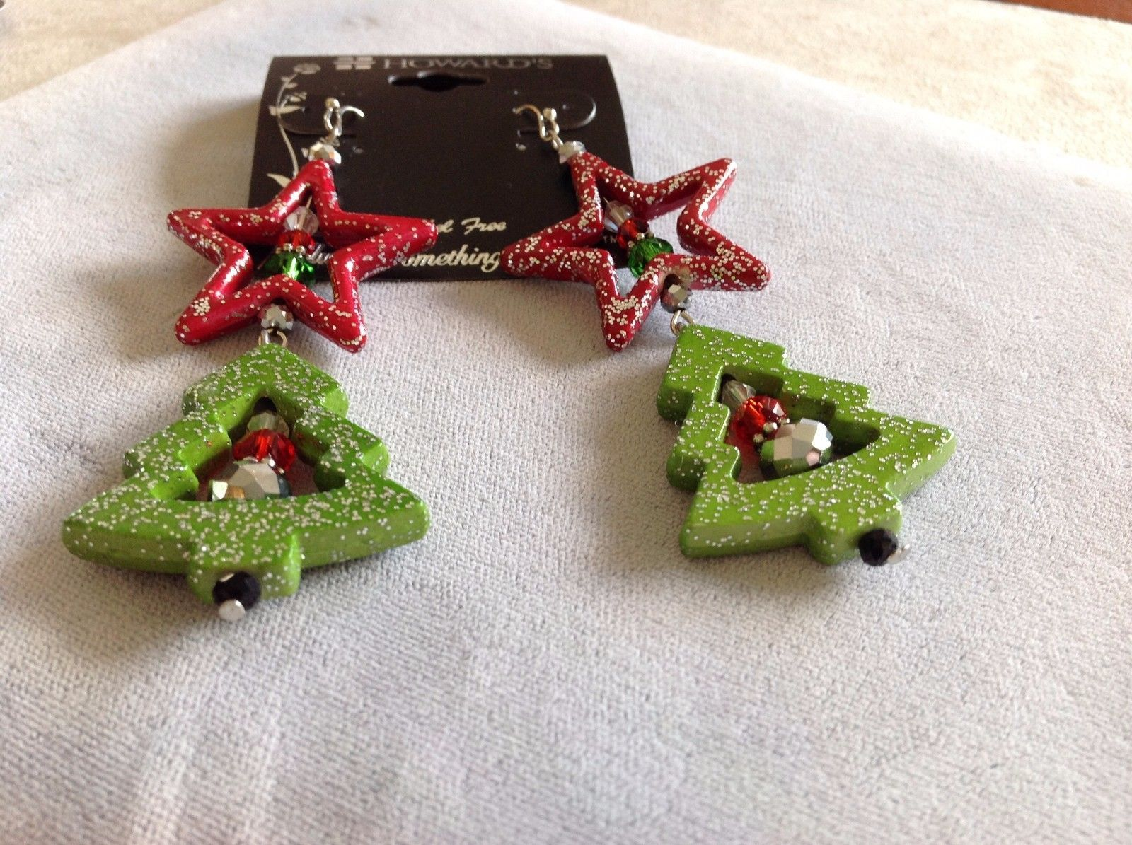 New Howard's Red Star Christmas Tree Earrings With Green Red White Gemstones
