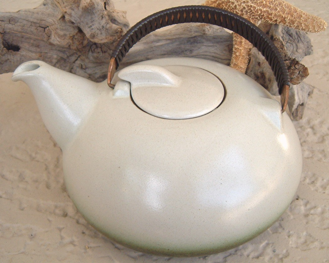 Heath_ceramics_sea_and_sand_teapot_california_pottery