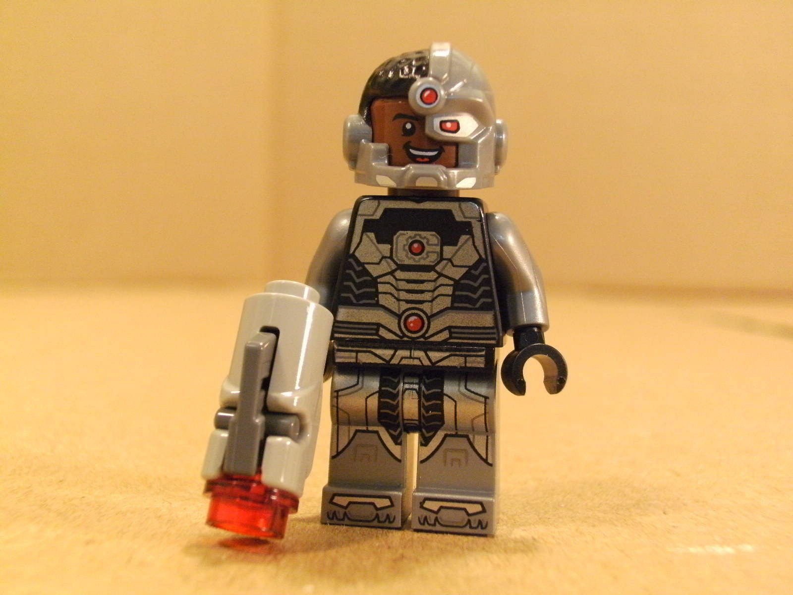 NEW! Lego Super Heroes CYBORG w/ Gun Minifig and 50 ...