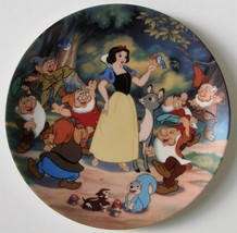 Knowles Disney Treasured Moments Snow White Collectors Plate, no box, no... - $8.25