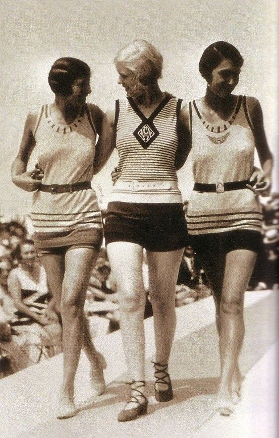 2aac425d5ea64 Vintage Flapper 3 gals Swimsuits Photo 1 1920s Flappers Jazz Prohibition