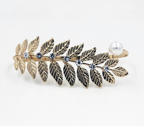 Fashion Designer Hand Palm Cuff Charm Bangle for Women Accessories