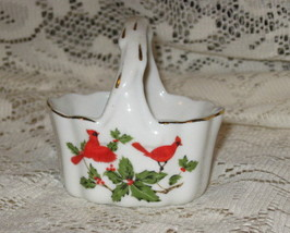Lefton- Miniature Basket- Cardinals with Holly-Gold Detail - $9.00